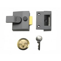 Yale P85 Deadlocking Nightlatch - DarK Metal Grey Finish With Brass Cylinder - 40mm Backset